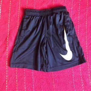 Boys Nike Bundle!!